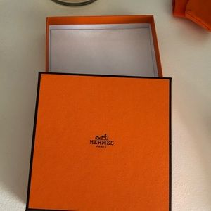 Hermès gift box with 2 pouches